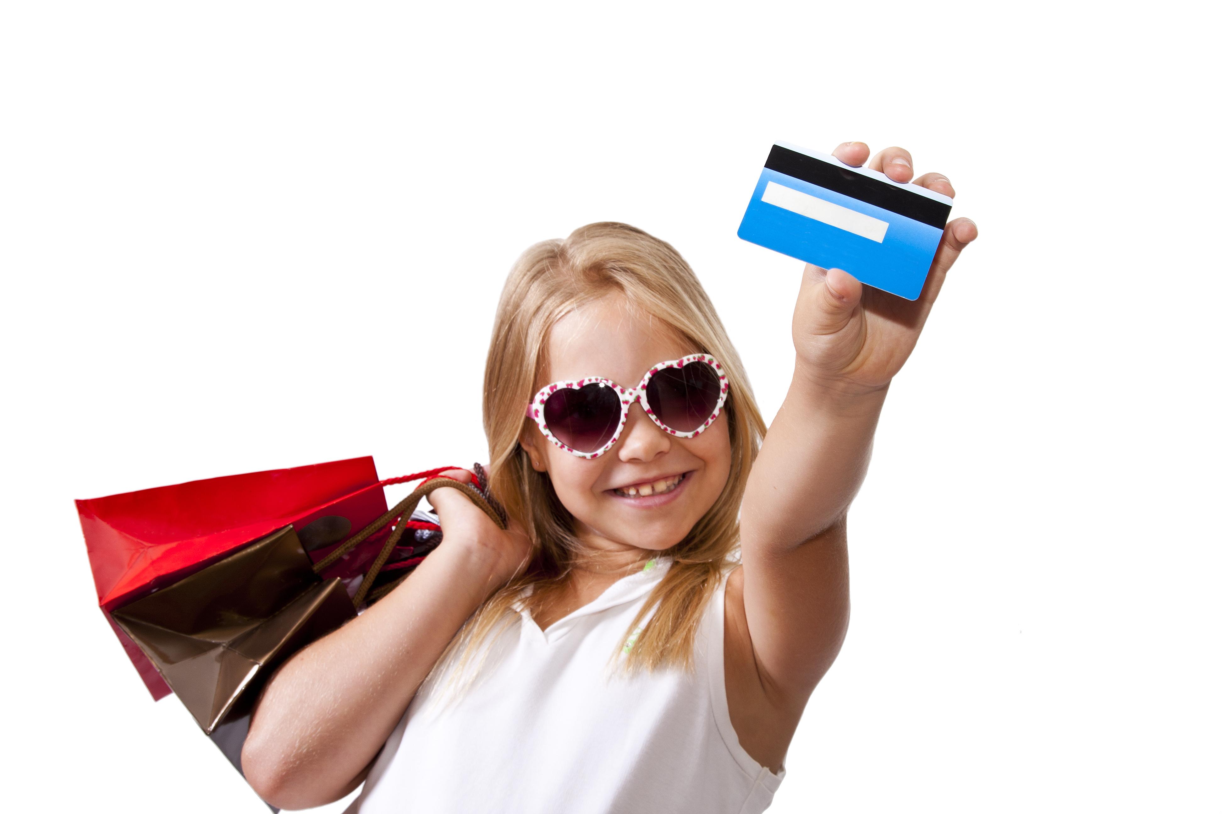 девочка с банковской картой