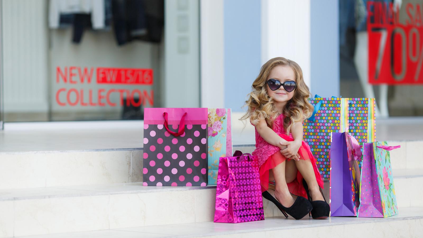 ребенок на шоппинге